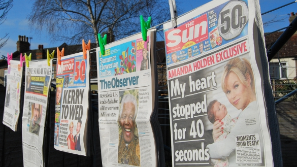 Sun on Sunday and  other Sunday newspapers by Aaron Lee (26.02.2012)