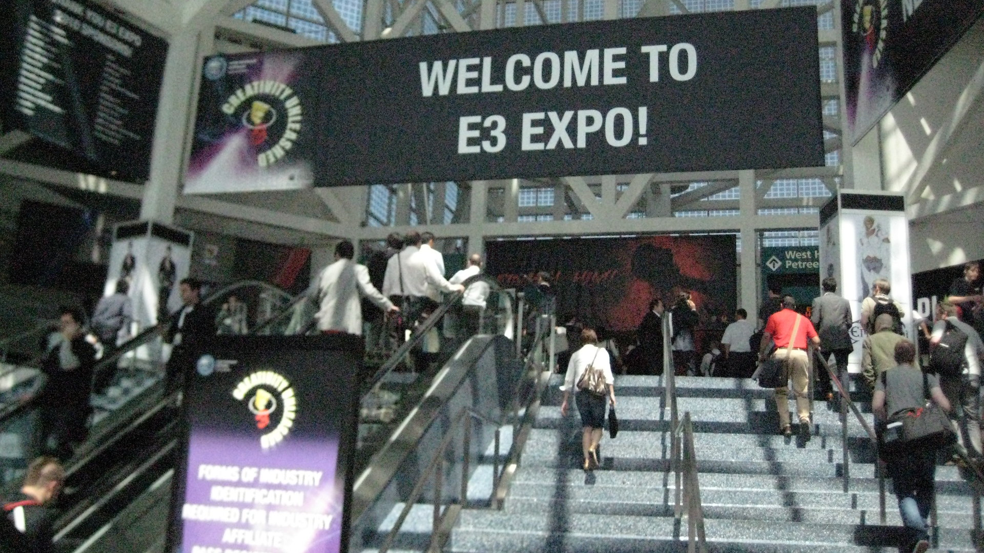 E3 2010, welcome signage, Jun 16, 2010, by sgfogel05 (1920x1080)