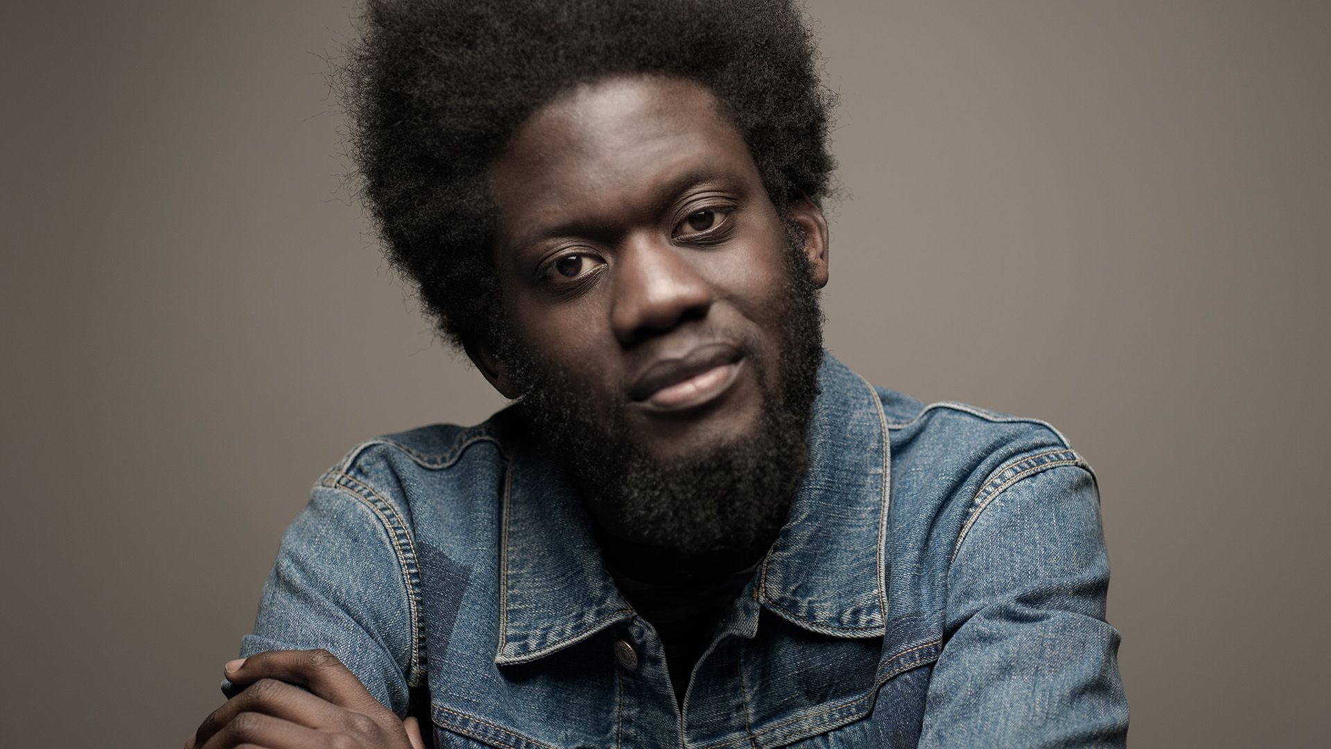 Michael Kiwanuka, 2016 press, Phil Sharp (1920x1080)