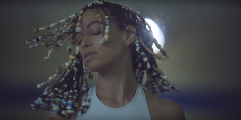 Solange - Don't Touch My Hair music video still, 01 (980x490)